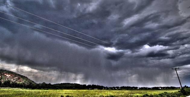 Βροχές και σποραδικές καταιγίδες