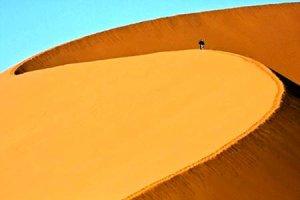 Κινούμενη άμμος. Του Θωμά Ψύρρα