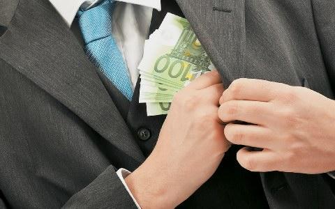 Εφοριακός… χάρισε σε μεγαλογιατρό πρόστιμα 4,7 εκατ. ευρώ!