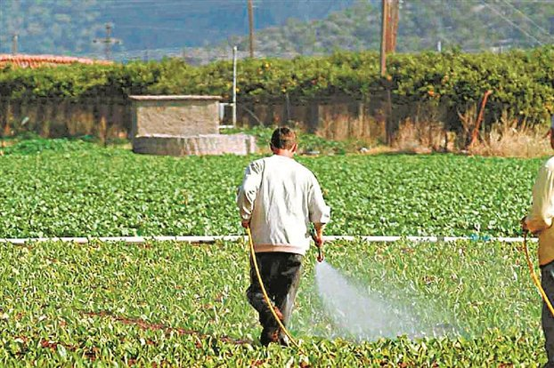 Έλληνες αγρότες καλούνται να επιστρέψουν 387,4 εκ. €