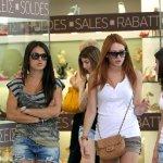 Ανοιχτά σήμερα τα καταστήματα στη Λάρισα