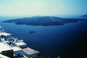 Νέα έρευνα «αλλάζει» την ημερομηνία έκρηξης του ηφαιστείου της Σαντορίνης