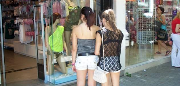 Λάρισα: Νέο θερινό απογευματινό ωράριο στα εμπορικά