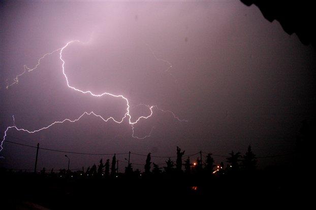 Σαββατοκύριακο με ισχυρές βροχές και καταιγίδες