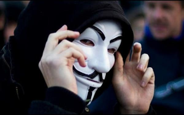 Ξαναχτύπησε ο ληστής με τη μάσκα των Anonymous
