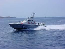 Πλοίο, με ελαφρά κλίση, στην Κέρκυρα