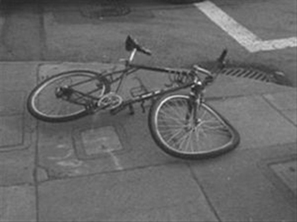 Αυτοκίνητο παρέσυρε ποδηλάτη στην Αιδηψό