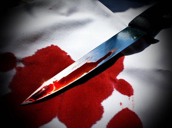 Ανήλικη τραυμάτισε με μαχαίρι τον πατέρα της