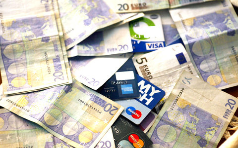 «Βελούδινη λύση» για τα κόκκινα δάνεια