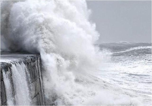 Τοπικές καταιγίδες και ισχυροί άνεμοι