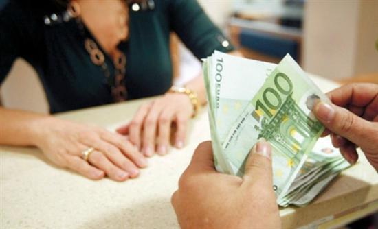Έρευνα: Μισός μισθός φεύγει σε φόρους και για συντήρηση του σπιτιού