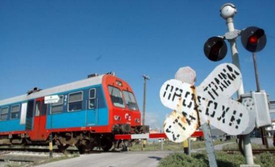 Αυτοκίνητο συγκρούστηκε με τρένο – Νεκρός ο οδηγός
