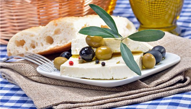 Κινδυνεύει η ελληνική φέτα ΠΟΠ
