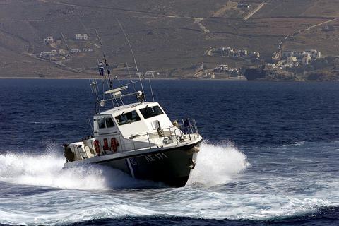 Ακυβέρνητο σκάφος στον Αστακό