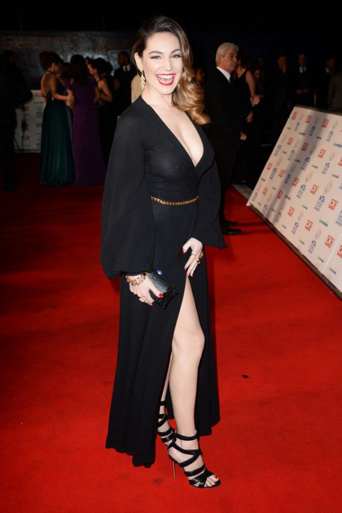 Kelly-Brook_-2014-National-Television-Awards-in-London--02-