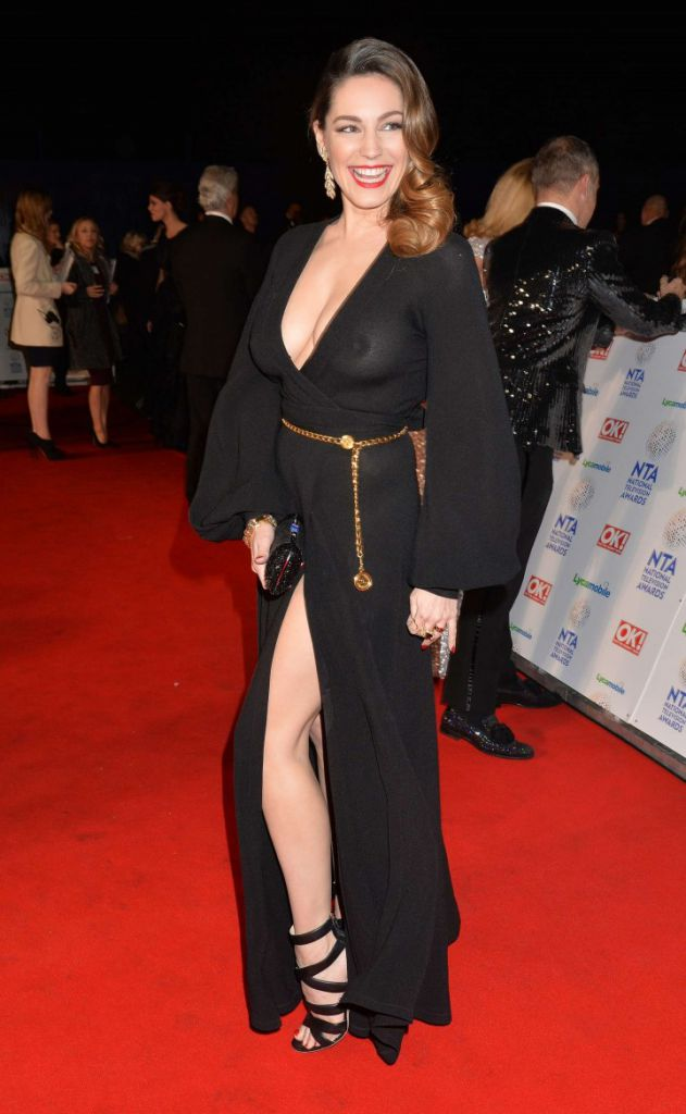 Kelly-Brook_-2014-National-Television-Awards-in-London--03-