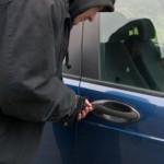 Λάρισα: «Άνοιξαν» αυτοκίνητο για λίγα ευρώ