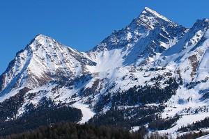 Ειδικοί εξηγούν γιατί είναι επικίνδυνες οι χιονοστιβάδες στα ελληνικά βουνά