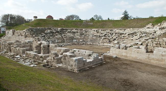 17 προσλήψεις για τα έργα στο Αρχαίο Θέατρο Λάρισας