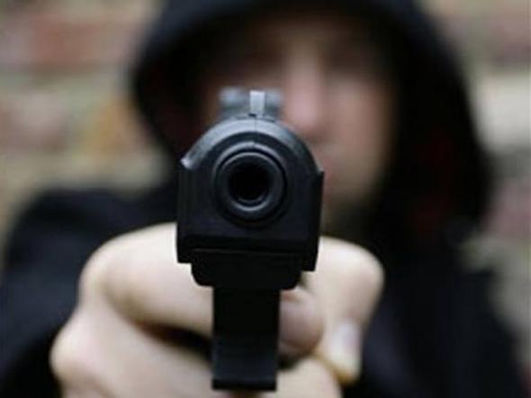 Πυροβόλησαν 20χρονο – Βρέθηκε σοβαρά τραυματισμένος