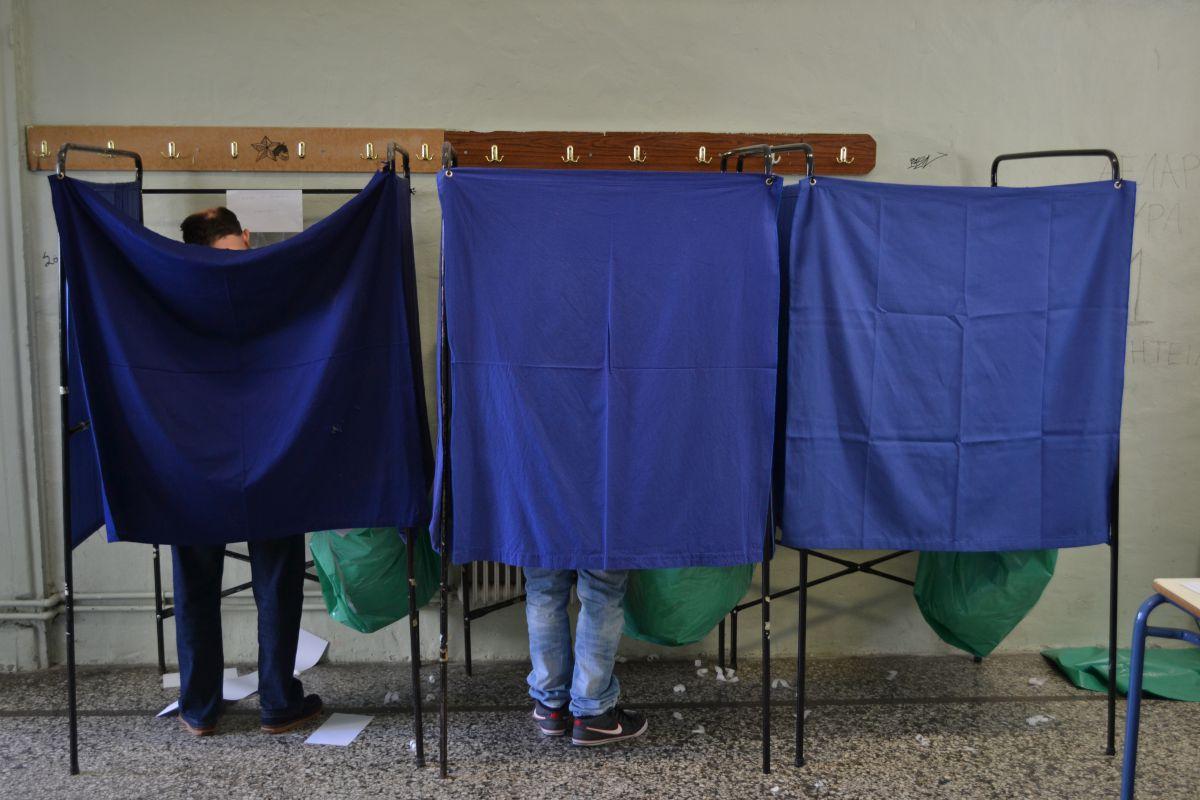 Δημοσκόπηση: Σαρωτικό προβάδισμα ΣΥΡΙΖΑ – Συμφωνία τώρα θέλουν οι Έλληνες