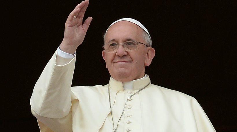 Ο Πάπας πάντρεψε ζευγαρια με παιδιά εκτός γάμου