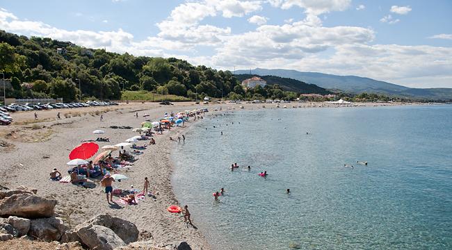 Γεμάτες οι παραλίες της Λάρισας