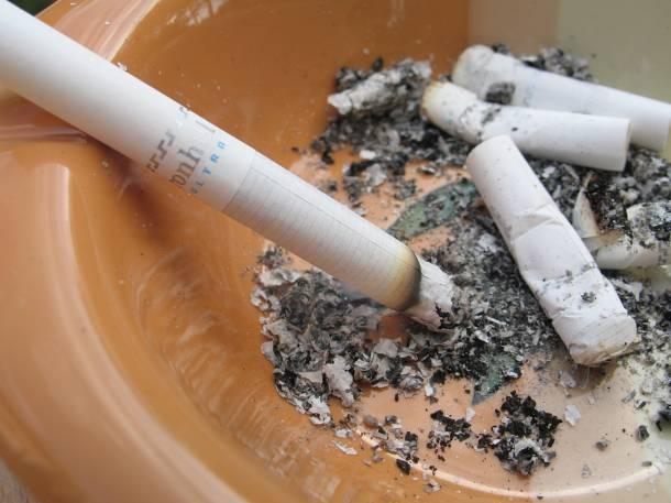 Καπνιστήριο δίπλα στους ασθενείς!