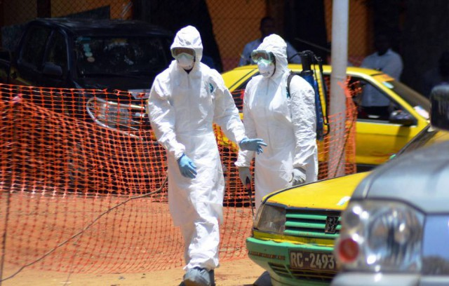 Έμπολα: Στους 4.922 οι νεκροί