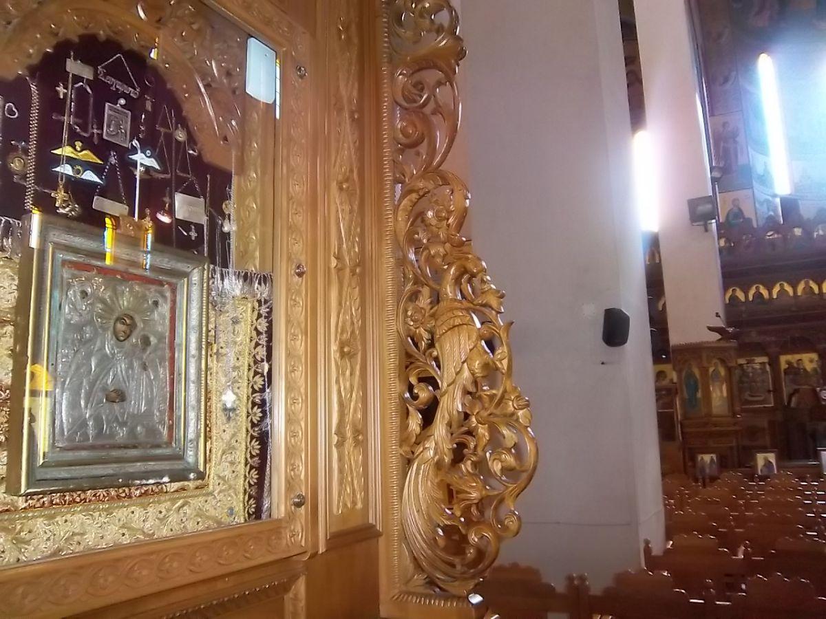Παρακλήσεις του Τιμίου Σταυρού στον Άγιο Βησσαρίωνα