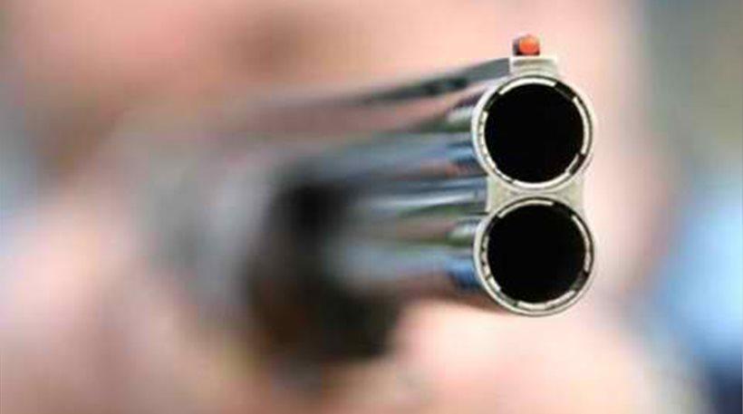 Ληστές πυροβόλησαν 52χρονο επιχειρηματία μέσα στο σπίτι του