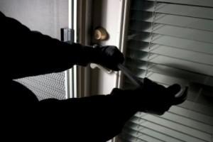 Έκλεψαν 75.000 ευρώ από κουζίνα σπιτιού στον Τύρναβο