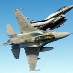 F-16… διασταυρώθηκε με αλεξιπτωτιστή στην Πύλη Τρικάλων