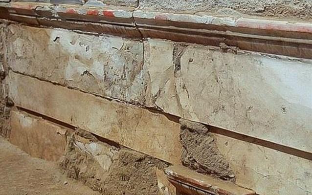 Αμφίπολη: Εντοπίσθηκαν κομμάτια επιστυλίου