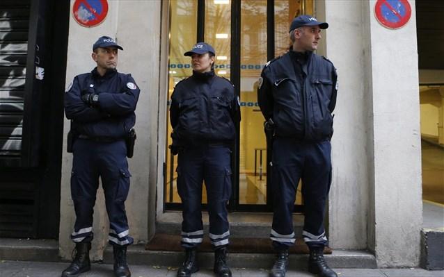 Γαλλία: Οργισμένοι αγρότες πυρπόλησαν κυβερνητικά κτήρια