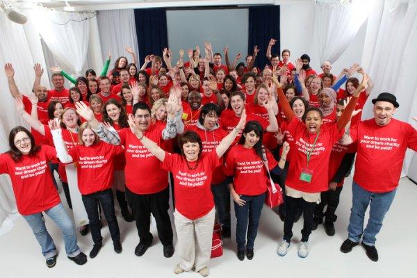 Η Vodafone χρηματοδοτεί την πρόσληψη 10 ατόμων σε ΜΚΟ