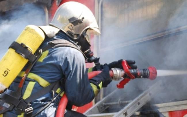 Φωτιά σε επιχείρηση στη Λάρισα