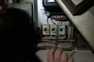 Τύρναβος: Σύλληψη 43χρονης για κλοπή ρεύματος