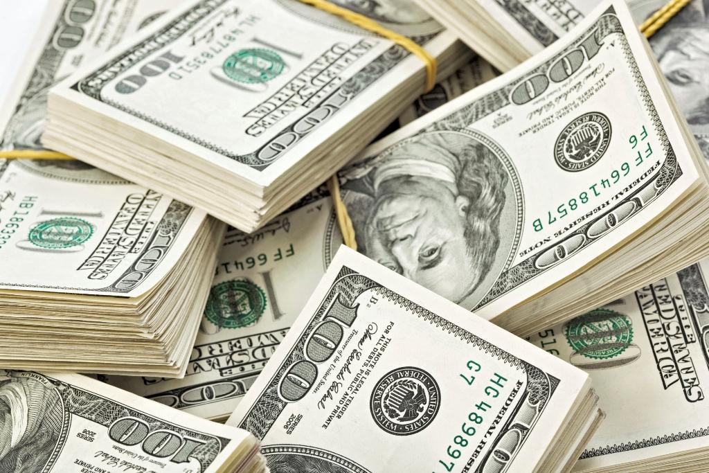 Γυναίκα συνελήφθη με 70.000 δολάρια στο… στομάχι της!