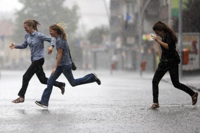 Έρχονται βροχές, καταιγίδες και χαλάζι!