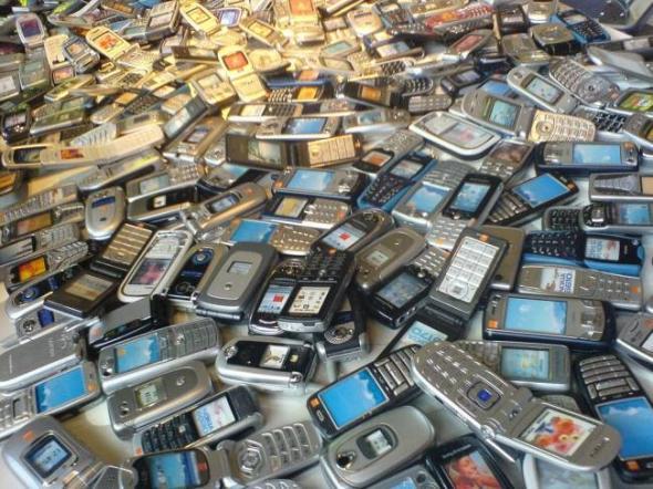 Σπείρα έκλεψε 2.200 κινητά αξίας 1,5 εκατ. ευρώ