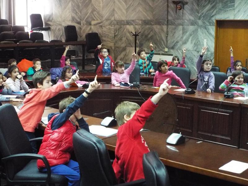 Μαθητές του 6ου Δημοτικού στο Δημαρχείου