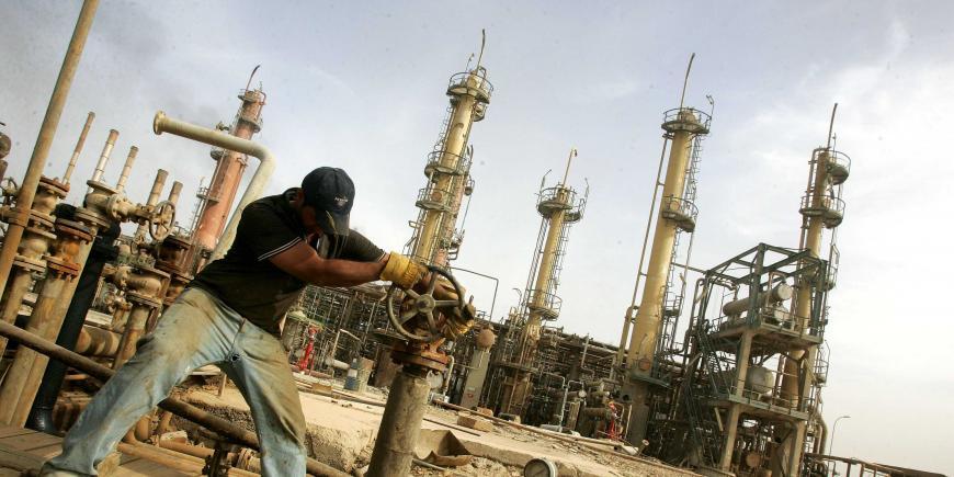 Νέα πτώση 10% για τις τιμές του πετρελαίου