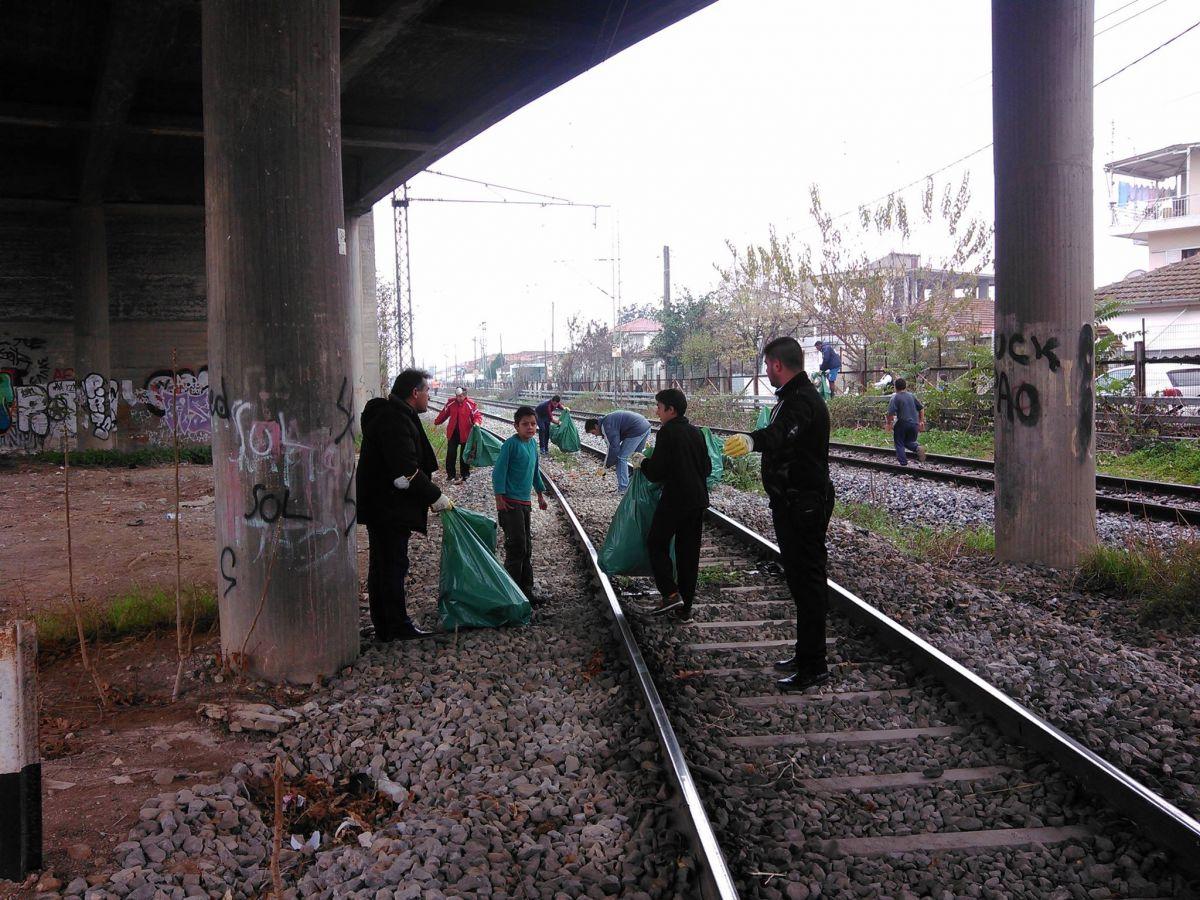 καθαρισμός σιδηροδρομικών γραμμών Ν. Σμύρνη (2)