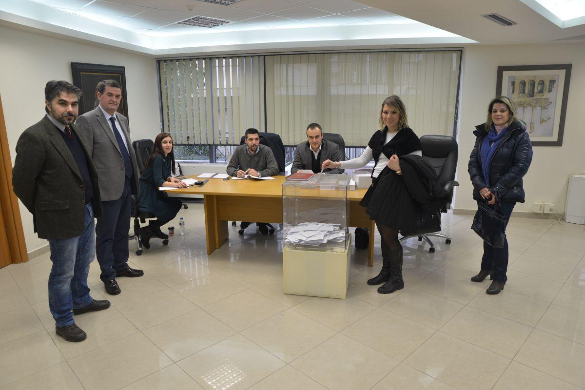 Δημοψήφισμα δικηγόρων (2)