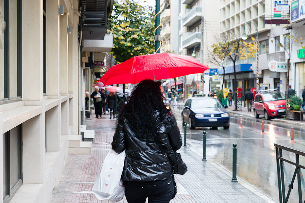Λάρισα: Βροχή και κρύο τη Δευτέρα (Ωριαία Πρόγνωση)