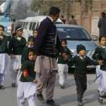 Σφαγή 100 παιδιών σε σχολείο του Πακιστάν