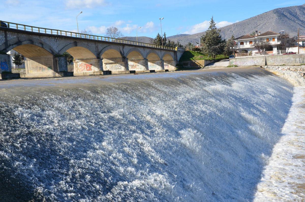Σαρωτικοί οι έλεγχοι σε Τύρναβο και Ελασσόνα για τη ρύπανση στον Τιταρήσιο