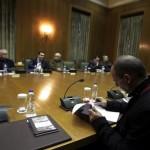 «Πυρά» κατά Τσίπρα – Βαρουφάκη στο Κυβερνητικό Συμβούλιο