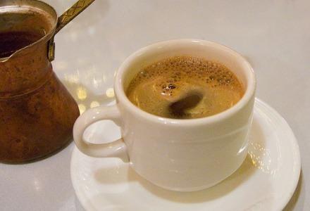 Τρεις καφέδες την ημέρα μας προστατεύουν από καρδιαγγειακά νοσήματα